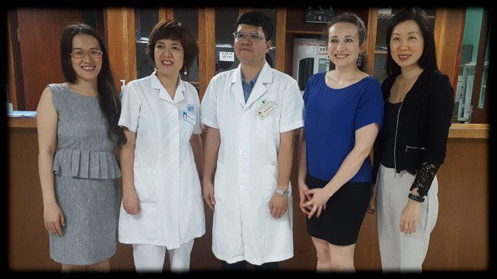 Octapharma cùng các Bác sĩ khoa Huyết học BV Nhi trung ương